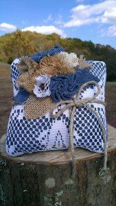 cuscinetto fedi matrimonio bluejeans