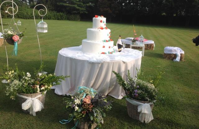 Wedding Cake Country Chic