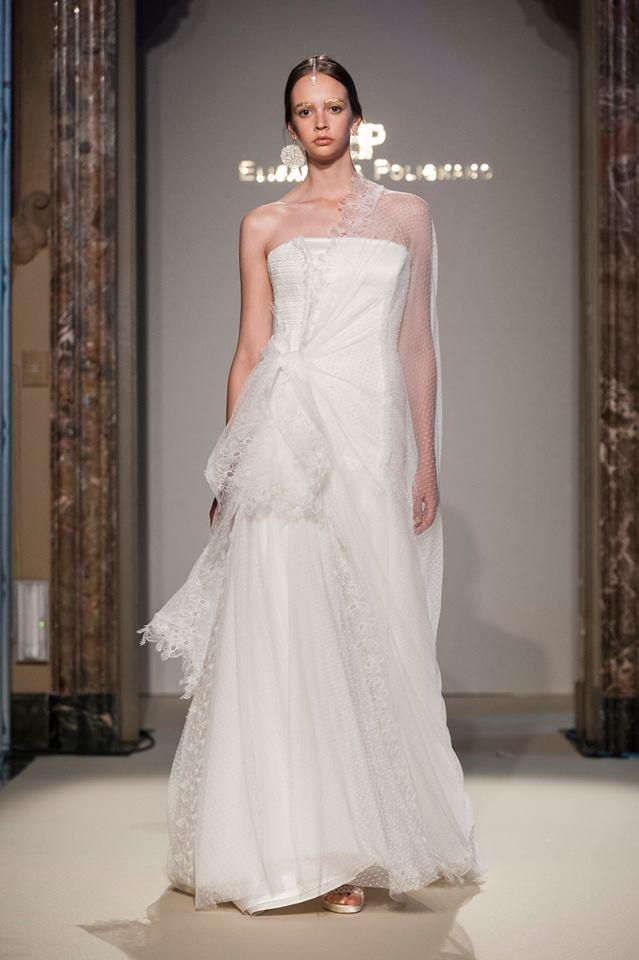 Elisabetta Polignano Collezione Sposa 2016 bianco semplice e dritto con meravigliosa stoa in organza ricamata