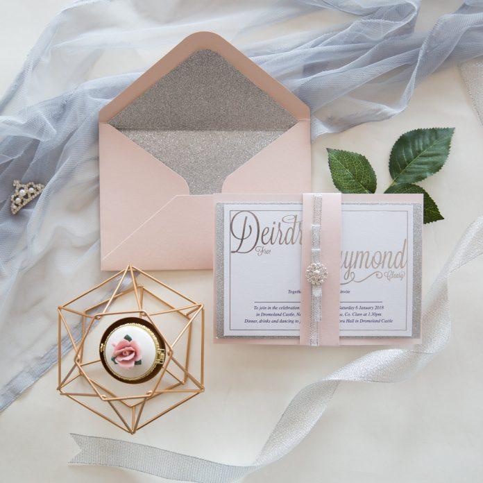 partecipazione matrimonio elegante rosa perlato e argento grigio