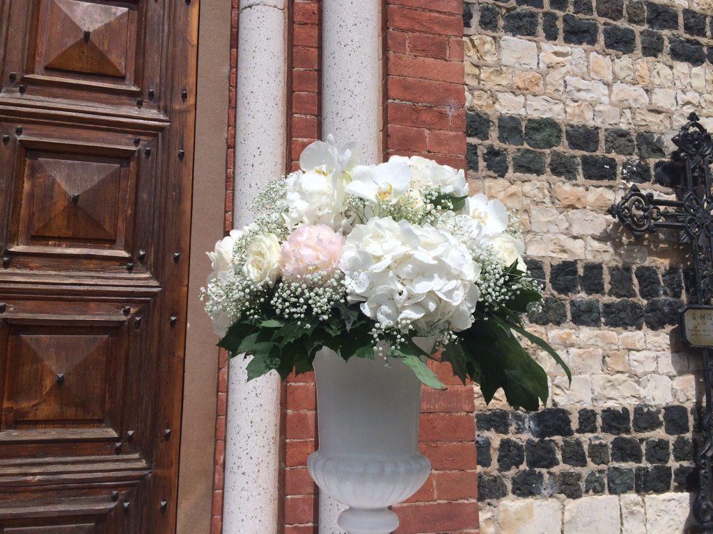 Matrimonio Total White - Allestimento Fiori Cerimonia - wp matrimonio @Antonella Amato Wedding Planner