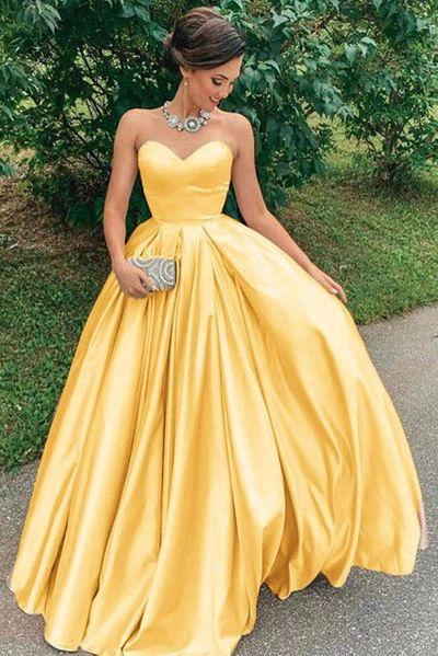 abito da sposa giallo in raso con scollatura a cuore