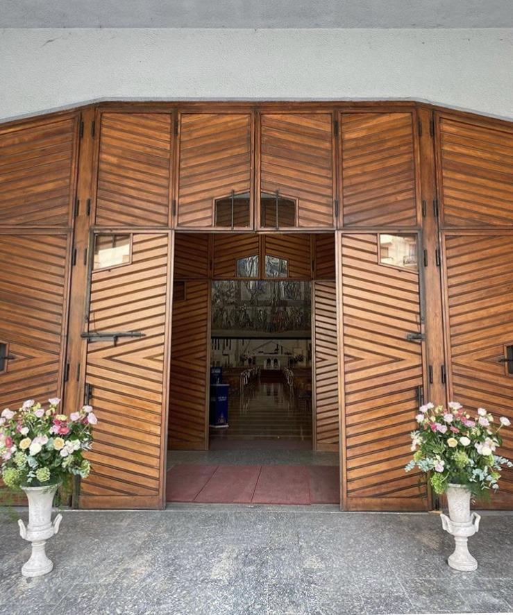Matrimonio autunnale_particolare ingresso Chiesa - wp @Antonella Amato Wedding Planner