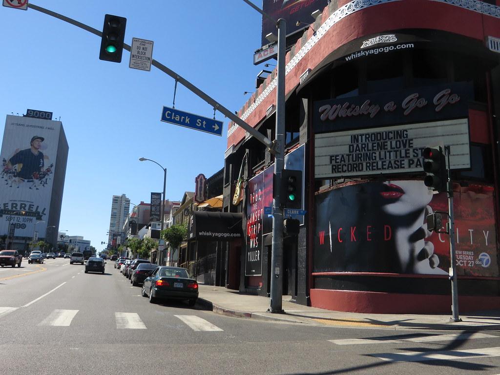 "Il ""Whisky a Go Go"" all'8901 di Sunset Boulevard nella Sunset Strip"